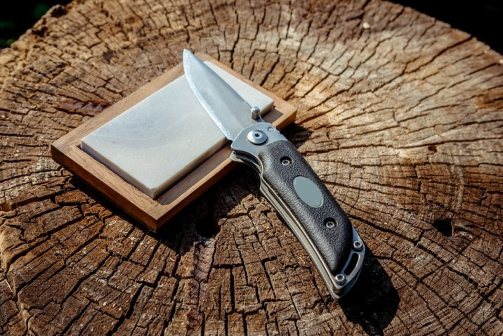 knife on whetstone